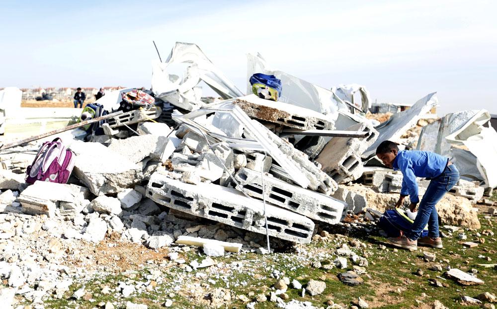 Israele demolisce classi costruite dalla UE in una comunità beduina