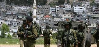 """L'esercito israeliano ha sbarrato l'entrata di un campo profughiper giorni come """"punizione collettiva"""""""