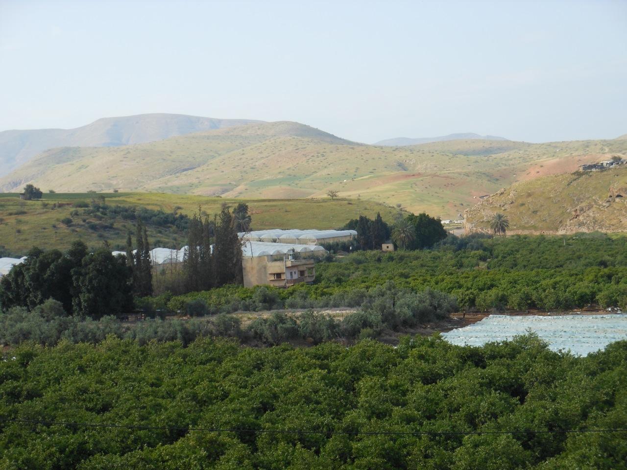 Israele distrugge condutture idriche nella Valle del Giordano