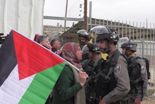 """""""Richiesta di aiuto di Manal Tamimi: """"Fermiamo le torture dei giovani palestinesi!"""""""