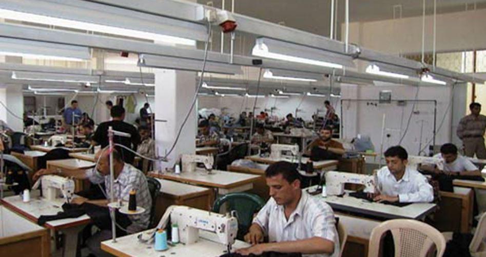 """L'industria tessile di al-Khalil: un settore """"ucciso"""" dalle importazioni"""
