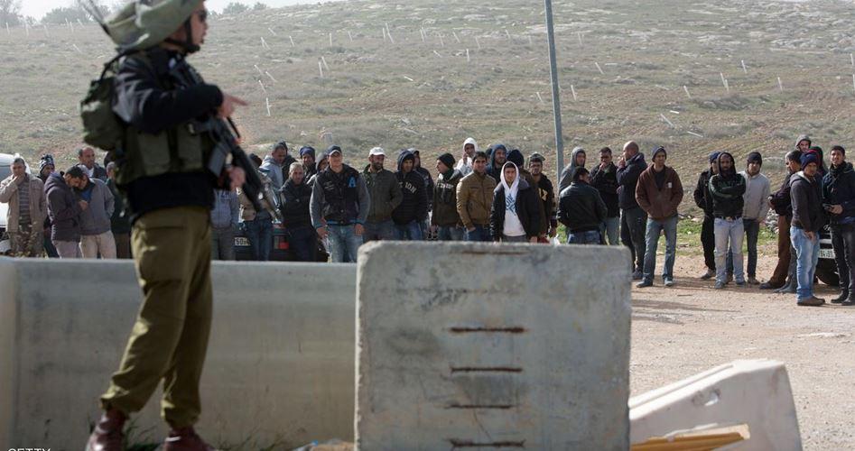 Forze israeliane trattengono 34 lavoratori palestinesi