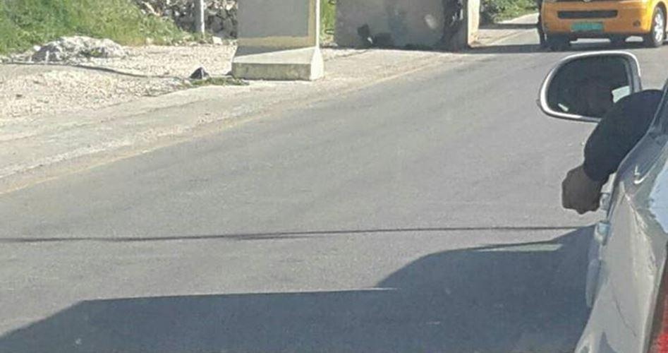 Posto di blocco israeliano vicino a Halhul