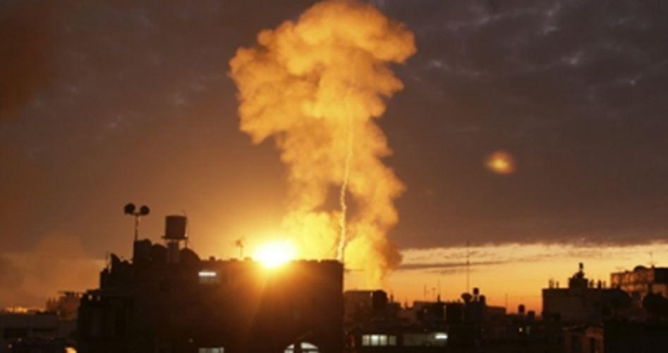 Bombardamenti israeliani contro diverse aree nella Striscia di Gaza