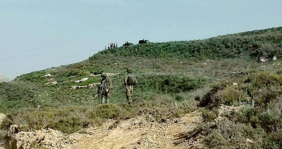 Due giovani palestinesi sfuggono a attacco di coloni
