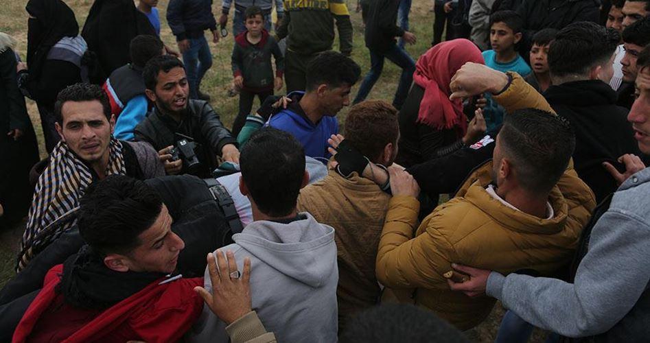 Le forze israeliane uccidono un giovane a Gaza