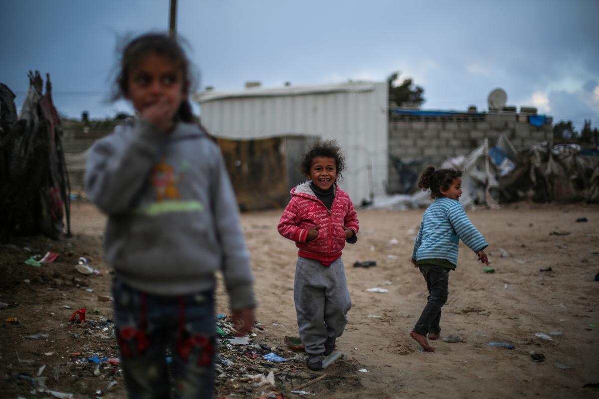 Rapporto: i bambini costituiscono metà della popolazione palestinese