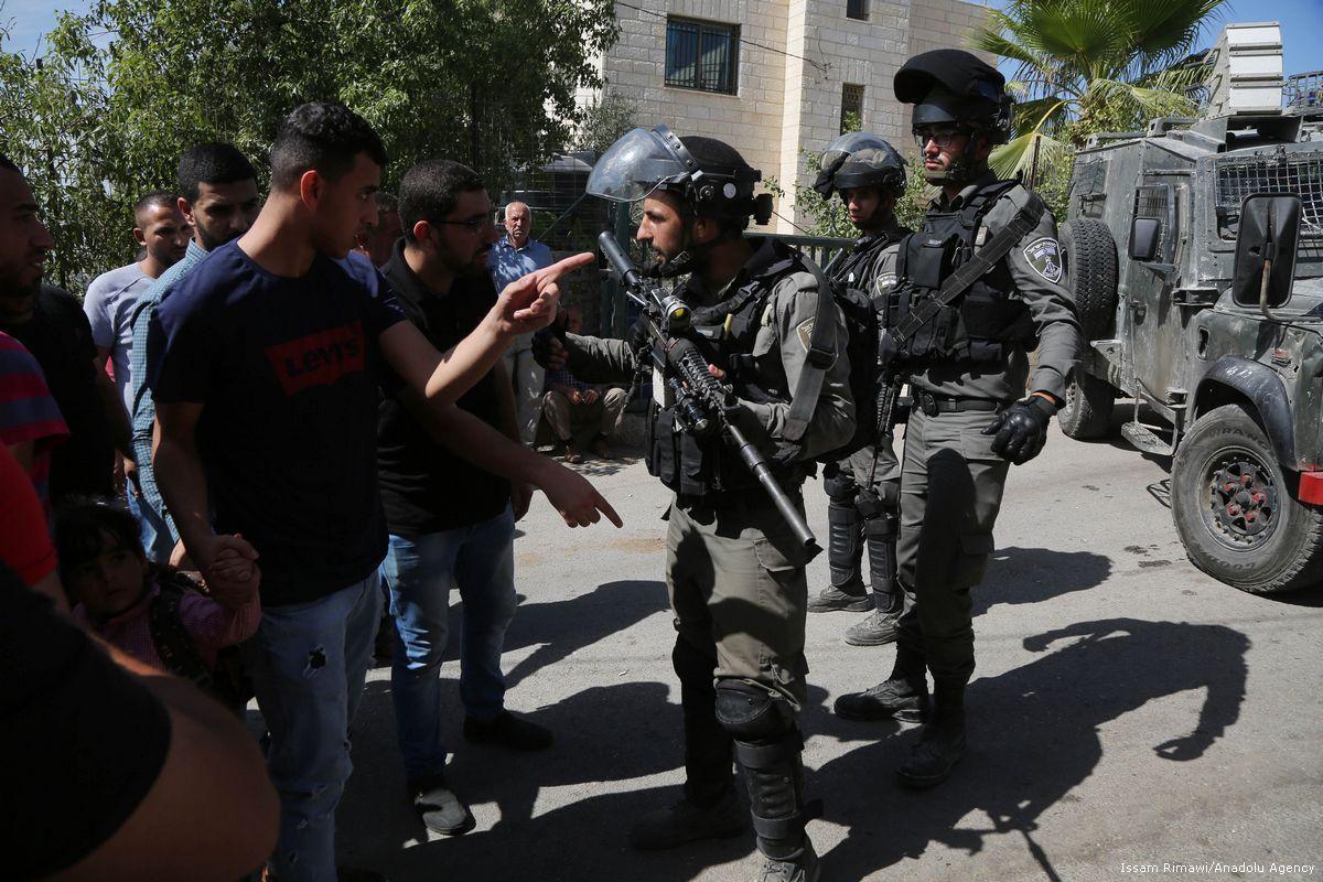 L'esercito israeliano sparerà ai Palestinesi entro 300 metri dalla barriera di Gaza
