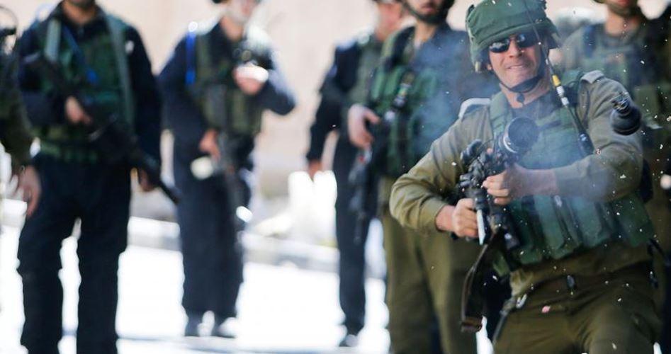 Soldati israeliani attaccano residenti di Sebastia con lacrimogeni