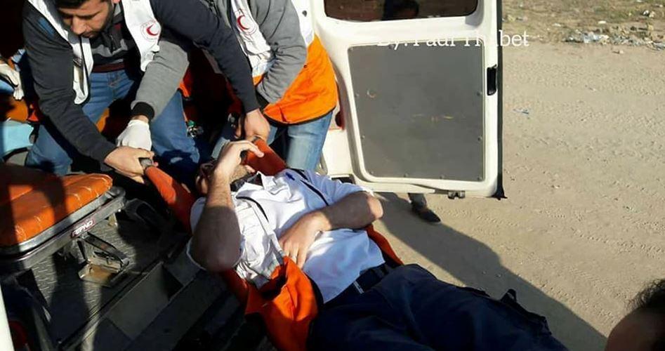 Striscia di Gaza, manifestazioni: un medico ferito dalle forze israeliane