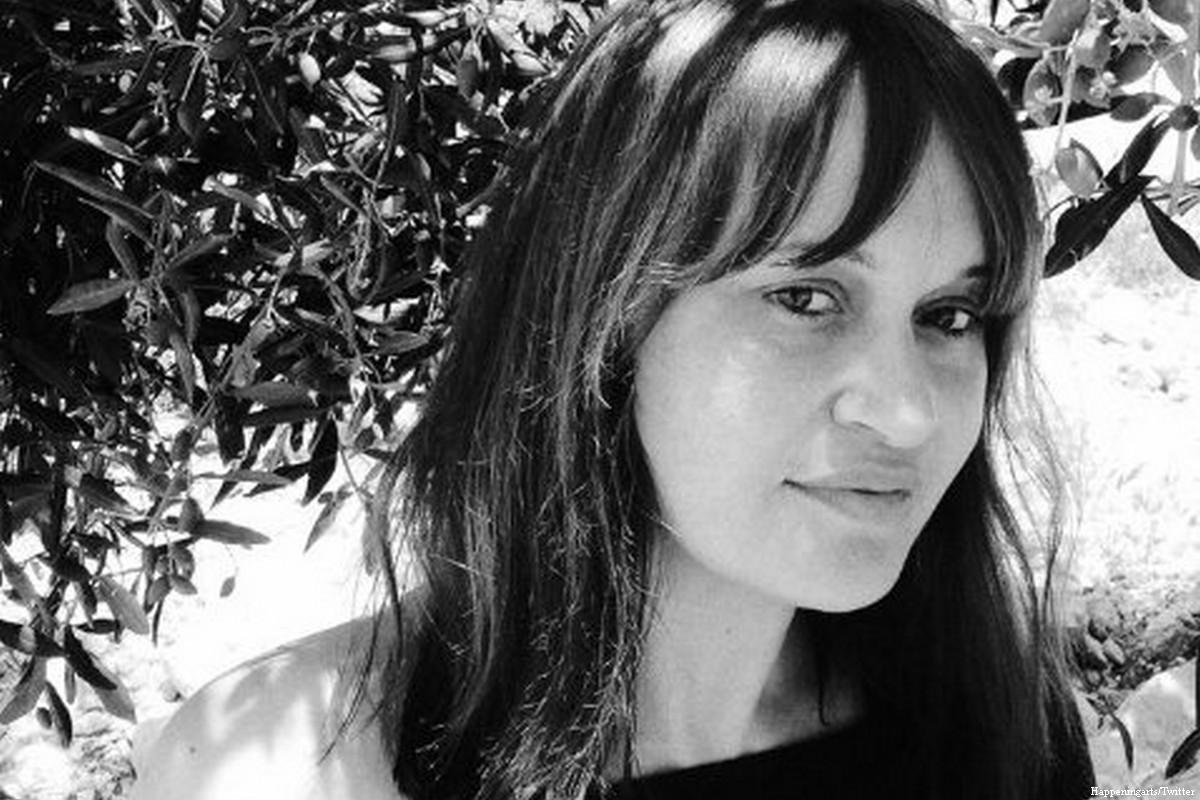 Fotografa vincitrice di premio è colpita da fuoco israeliano in Cisgiordania