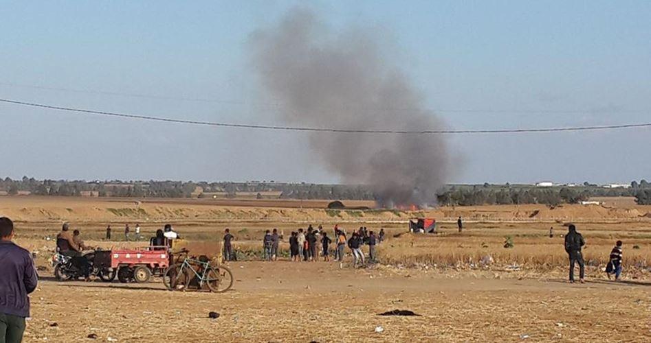 Aquiloni fiammeggianti palestinesi incendiano terre israeliane di frontiera