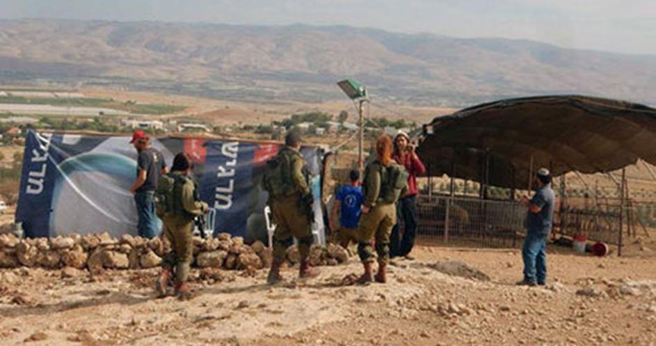 Coloni armati terrorizzano palestinesi nella Valle del Giordano