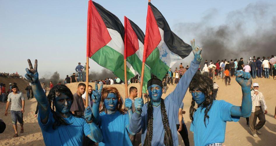 25 gazawi feriti dal fuoco israeliano lungo la frontiera
