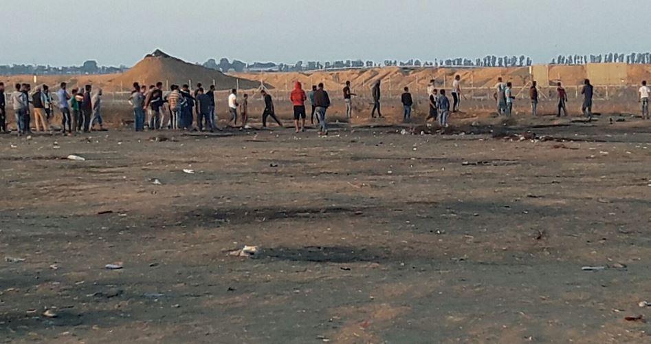 I soldati israeliani sparano contro corteo funebre a Khan Younis