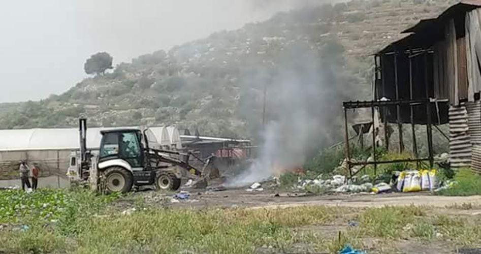 L'esercito israeliano distrugge azienda palestinese a Jenin
