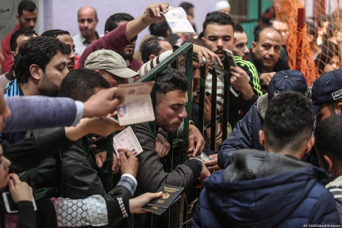 Ci sono voluti 116 palestinesi morti perché l'Egitto aprisse il valico di Rafah per un mese