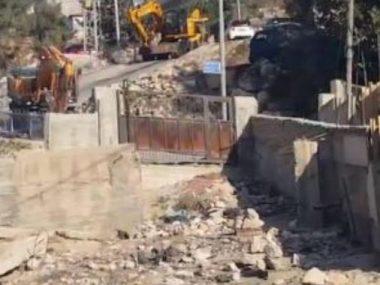 Esercito demolisce una casa, due famiglie obbligate a demolirne altre due a Gerusalemme