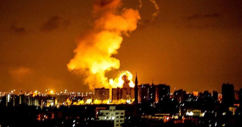 Bombardamenti israeliani contro gli aquiloni di Gaza
