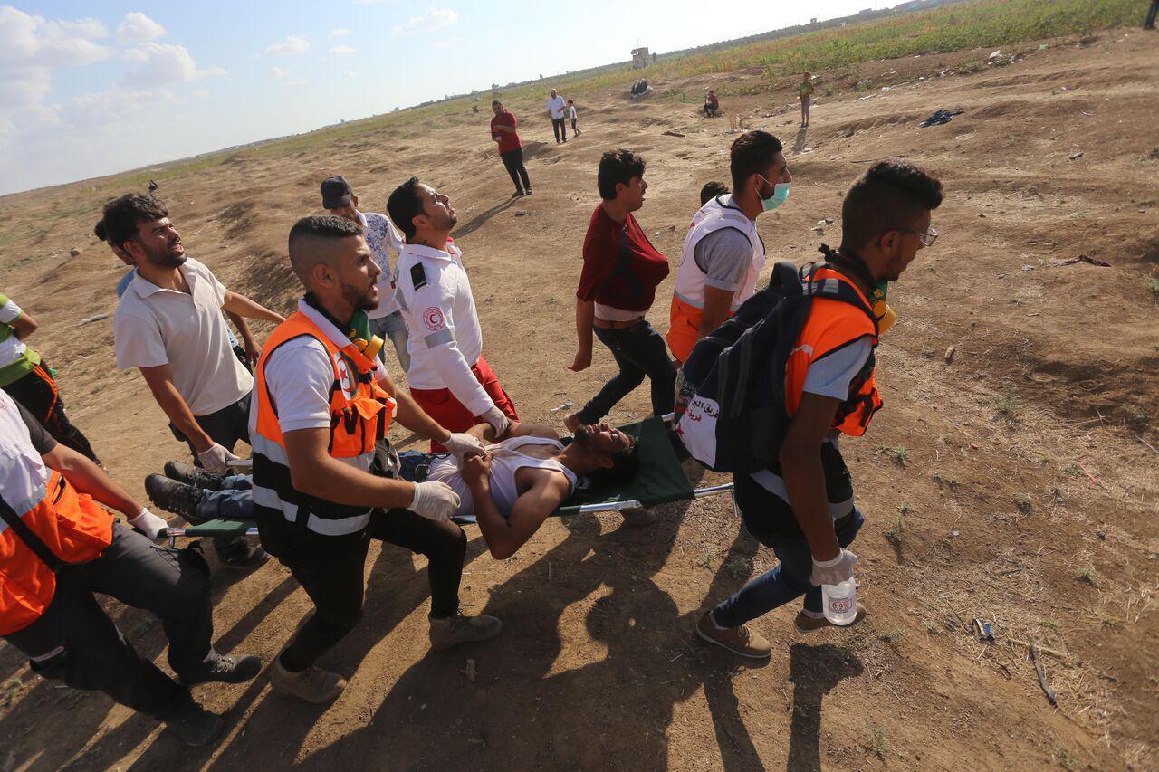 Striscia di Gaza, le forze di occupazione sparano contro i manifestanti: 2 morti e oltre 400 feriti