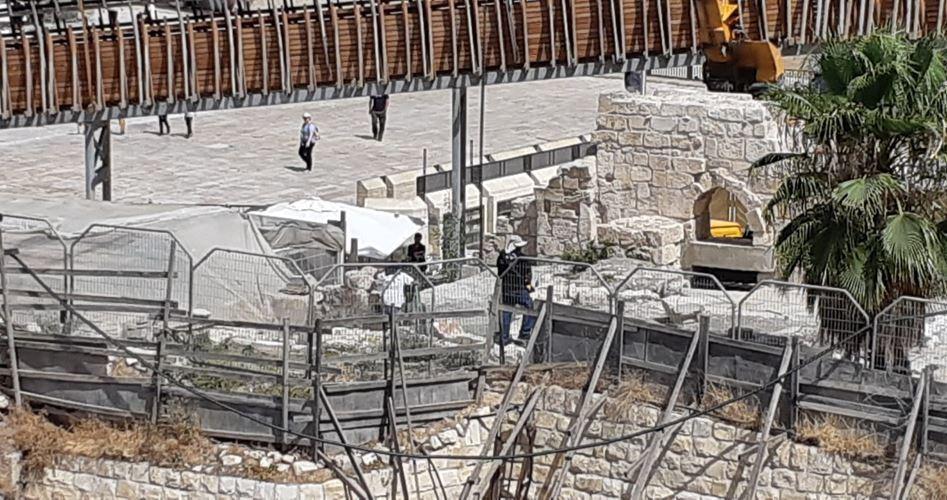 Israele confisca pietra caduta da al-Aqsa, musulmani preoccupati