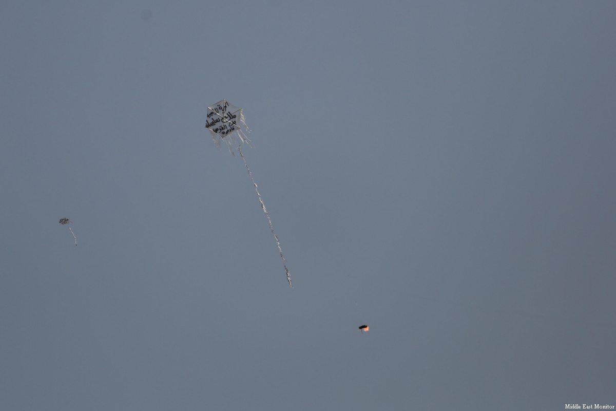 83% degli ebrei israeliani afferma che l'esercito dovrebbe attaccare chi fa volare gli aquiloni incendiari