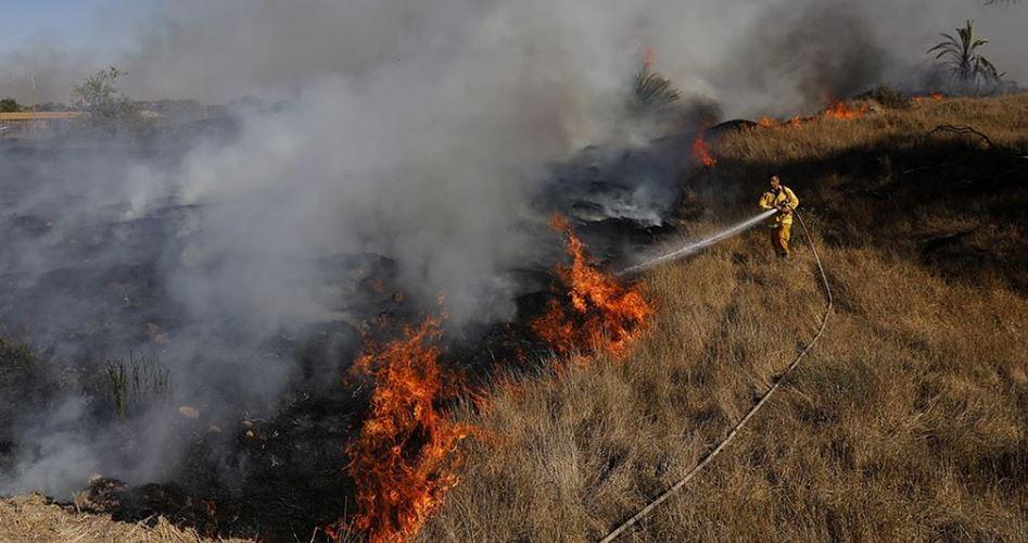 40 palloncini incendiari colpiscono il sud di Israele