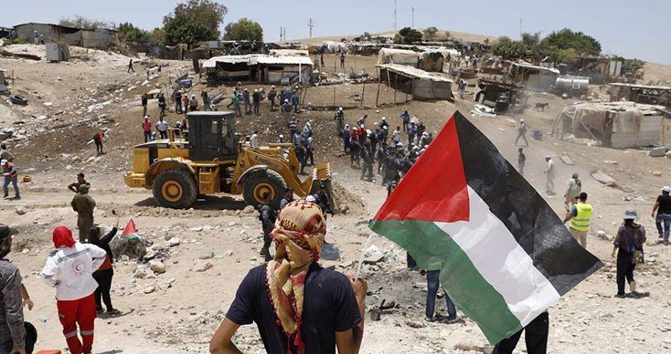 L'Alta corte israeliana sospende la demolizione del villaggio di Khan al-Ahmar