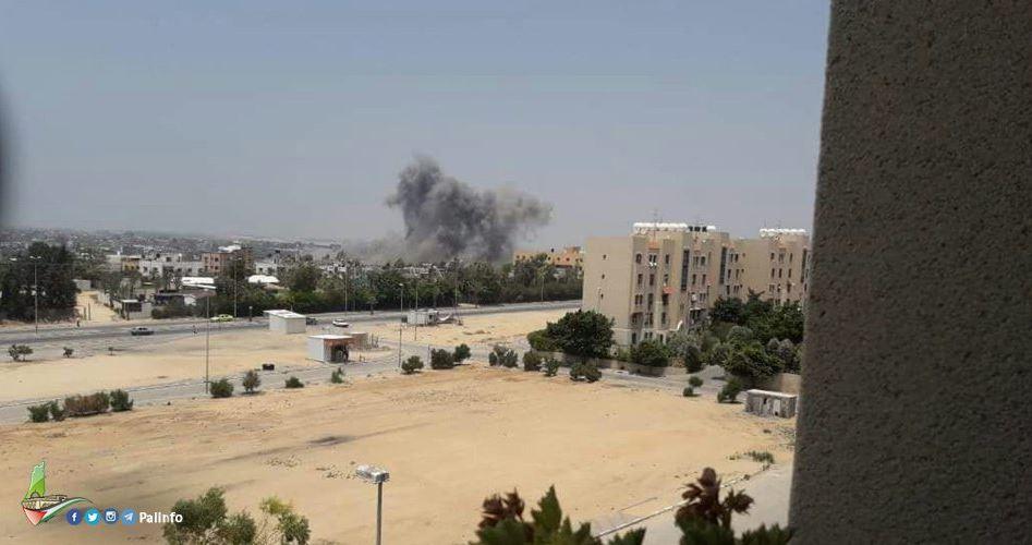 Israele bombarda la Striscia di Gaza: 12 feriti
