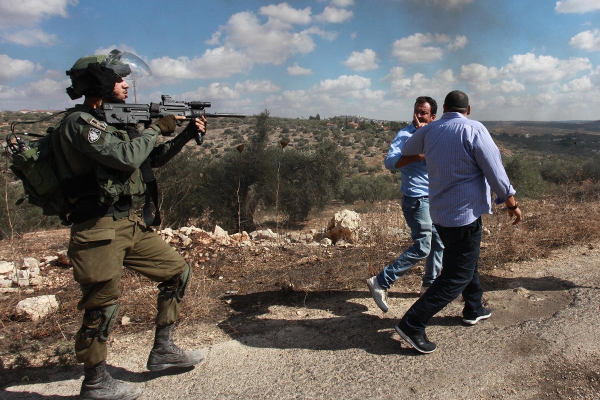 """Palestinesi in """"zone di fuoco"""" militari israeliane a rischio di trasferimento forzato"""