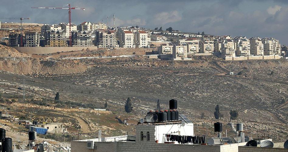 Israele distrugge terre palestinese per costruire avamposto coloniale