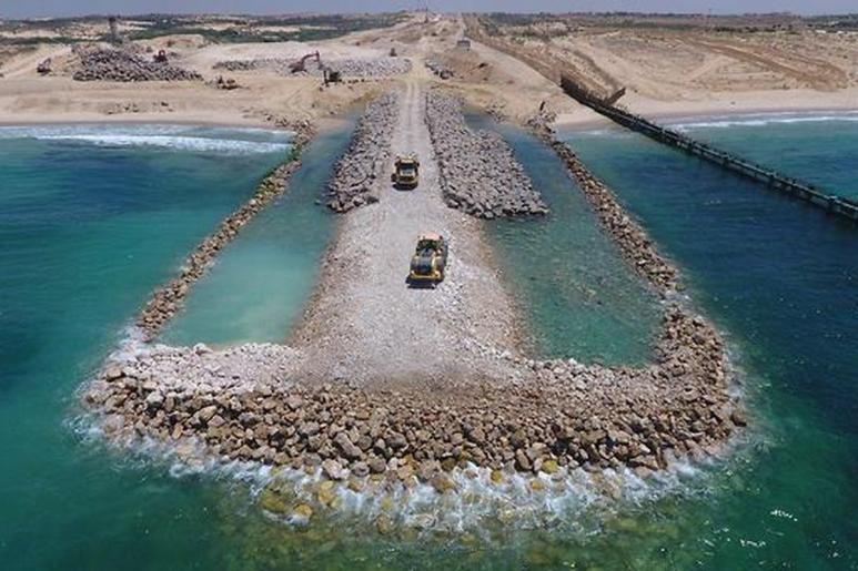 Le prime immagini della barriera marina israeliana che blocca Gaza