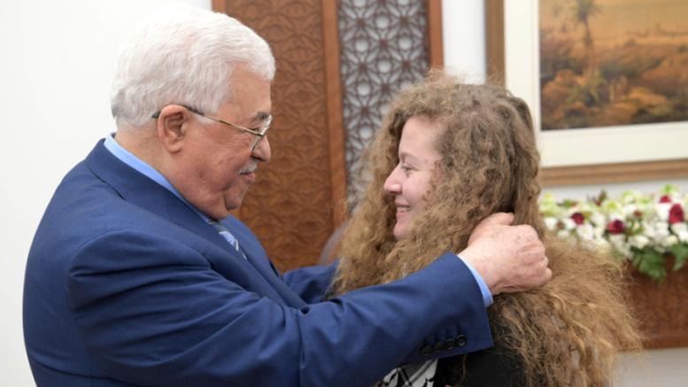 """""""Mahmoud Abbas, smetti di servirti di Ahed Tamimi per il tuo tornaconto personale"""""""