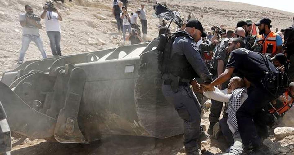 Residenti di Khan al-Ahmar ricevono ordine per abbandonare il villaggio entro il 1º ottobre