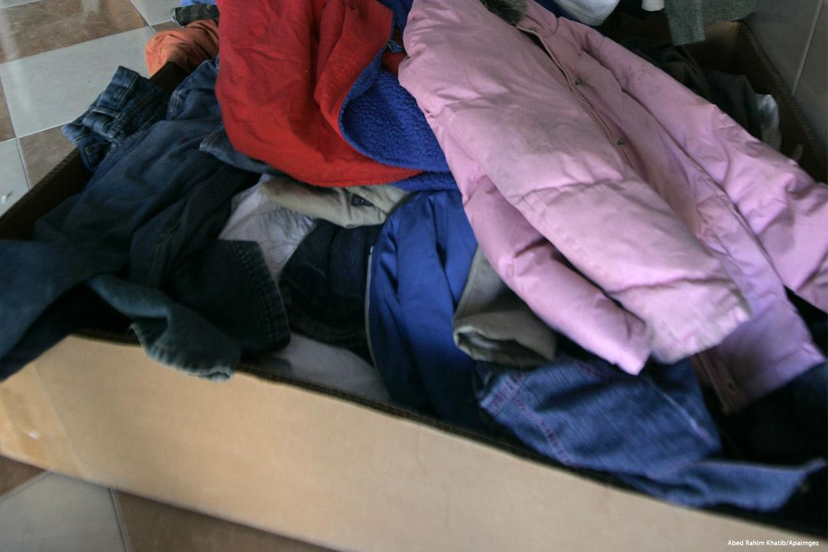Israele sequestra container di vestiti importati