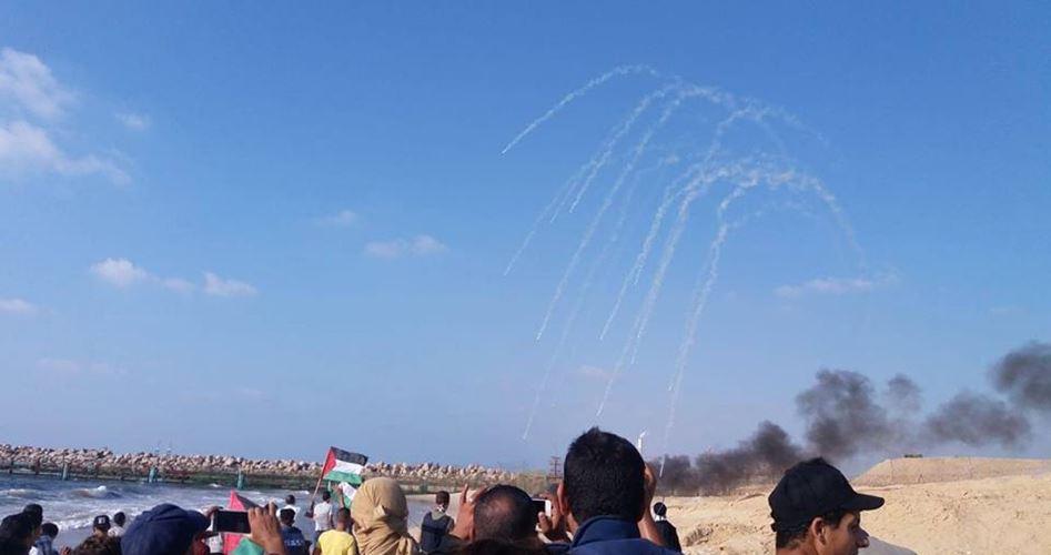 Striscia di Gaza, 49 palestinesi, tra cui medici e giornalisti, feriti dalle forze israeliane