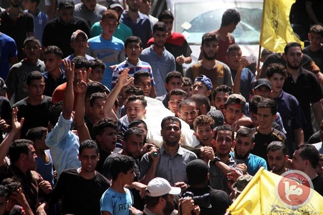 Striscia di Gaza, funerale di massa per i 4 uccisi da Israele