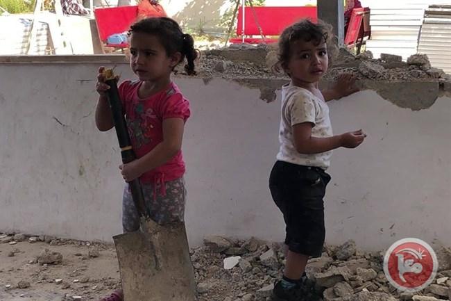 Palestinese demolisce la propria casa per ordine della Corte israeliana