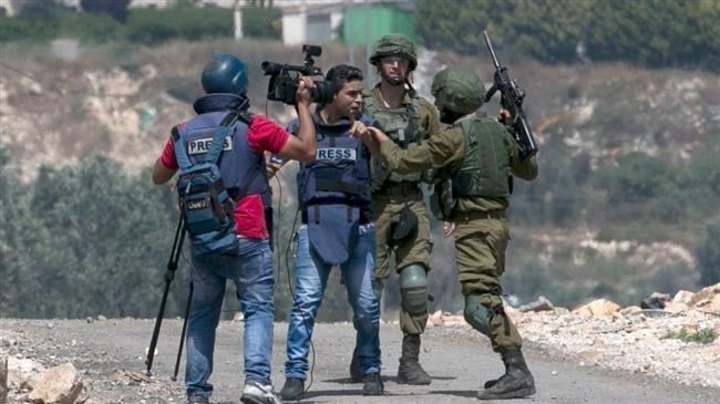 Dall'inizio dell'anno, 640 violazioni israeliane contro i giornalisti palestinesi