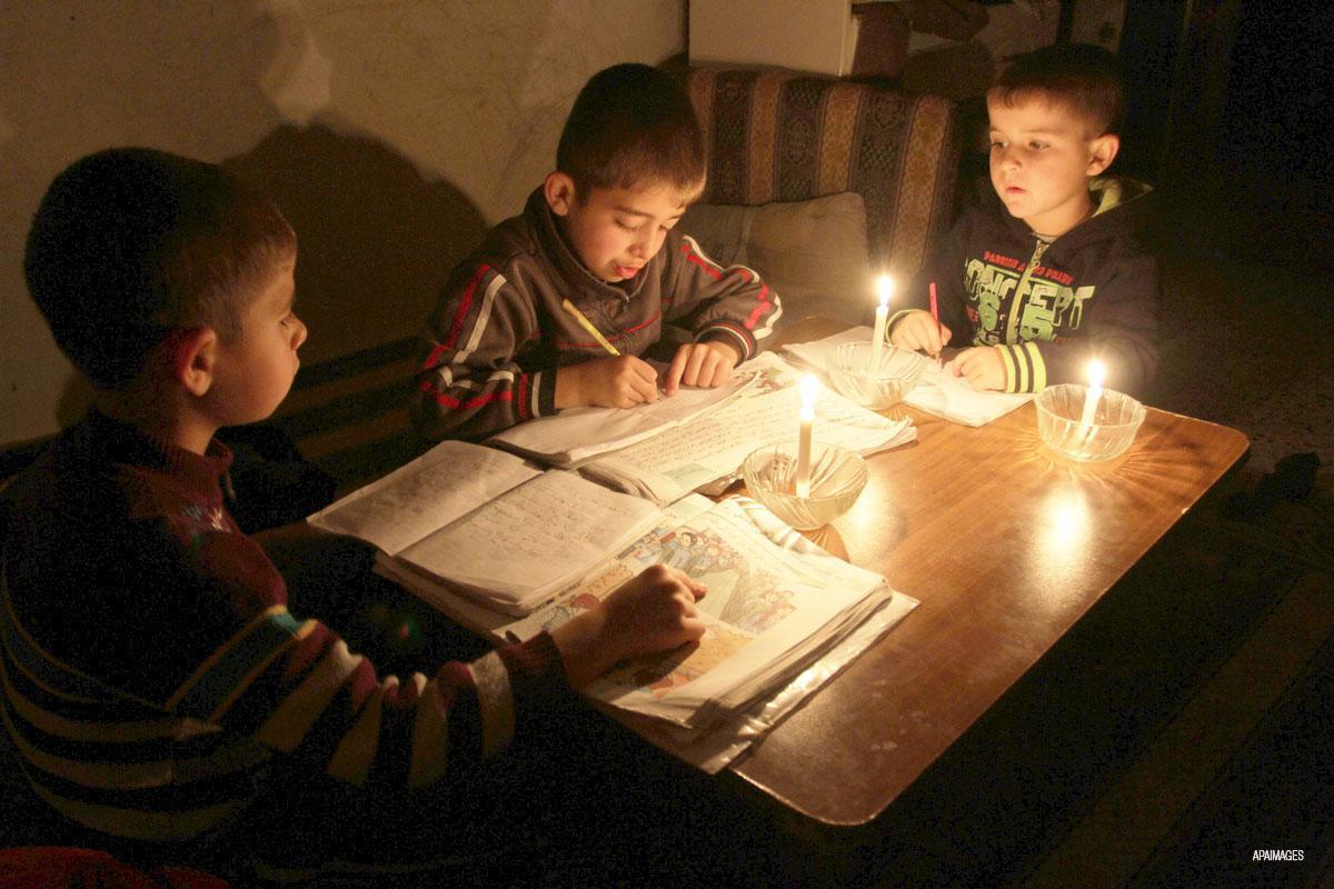 Black-out elettrico a Gaza diventa crisi idrica e delle acque reflue