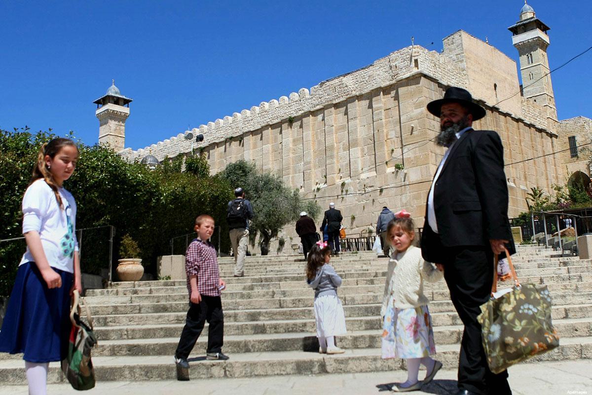 15.000 ebrei hanno visitato la Moschea Ibrahimi di Hebron prima di Yom Kippur