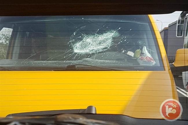 Coloni attaccano veicoli palestinesi a Nablus