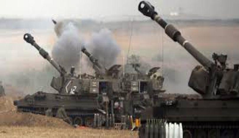 Striscia di Gaza, bombardamento israeliano ferisce giovane palestinese