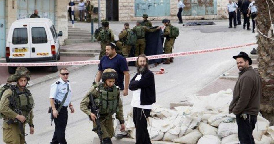 Coloni israeliani attaccano ambulanza palestinese a Hebron