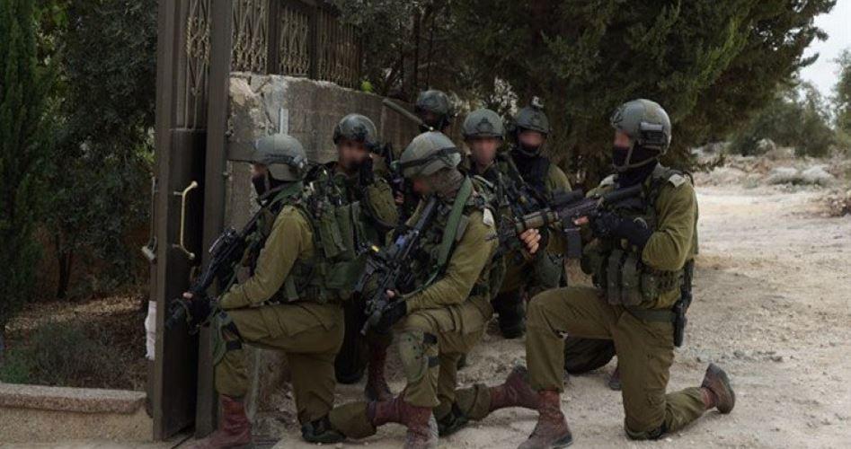 IOF invadono cimitero palestinese a Tulkarem