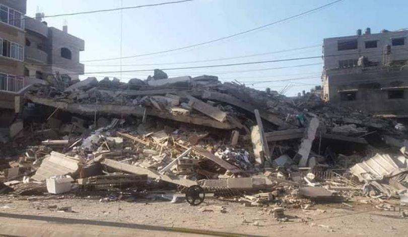 Striscia di Gaza, i bombardamenti israeliani hanno ucciso 13 palestinesi, ferito 28 altri e danneggiato e distrutto centinaia di edifici