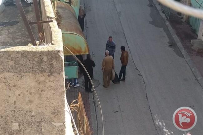Hebron, coloni e militari aggrediscono studenti palestinesi