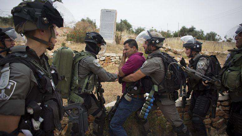 Un attivista palestinese imprigionato per essere andato in bicicletta nel suo villaggio