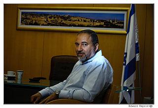 Lieberman si dimette da ministro della Difesa per protestare contro cessate-il fuoco a Gaza