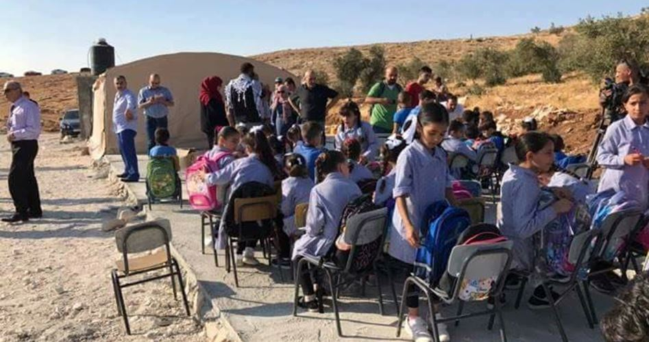 Forze israeliane demoliscono scuola elementare palestinese ad al-Khalil/Hebron